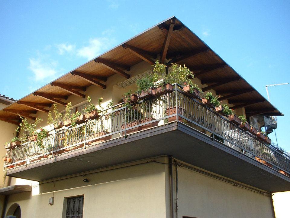 Balconi Esterni In Legno : Pensiline in legno prezzi