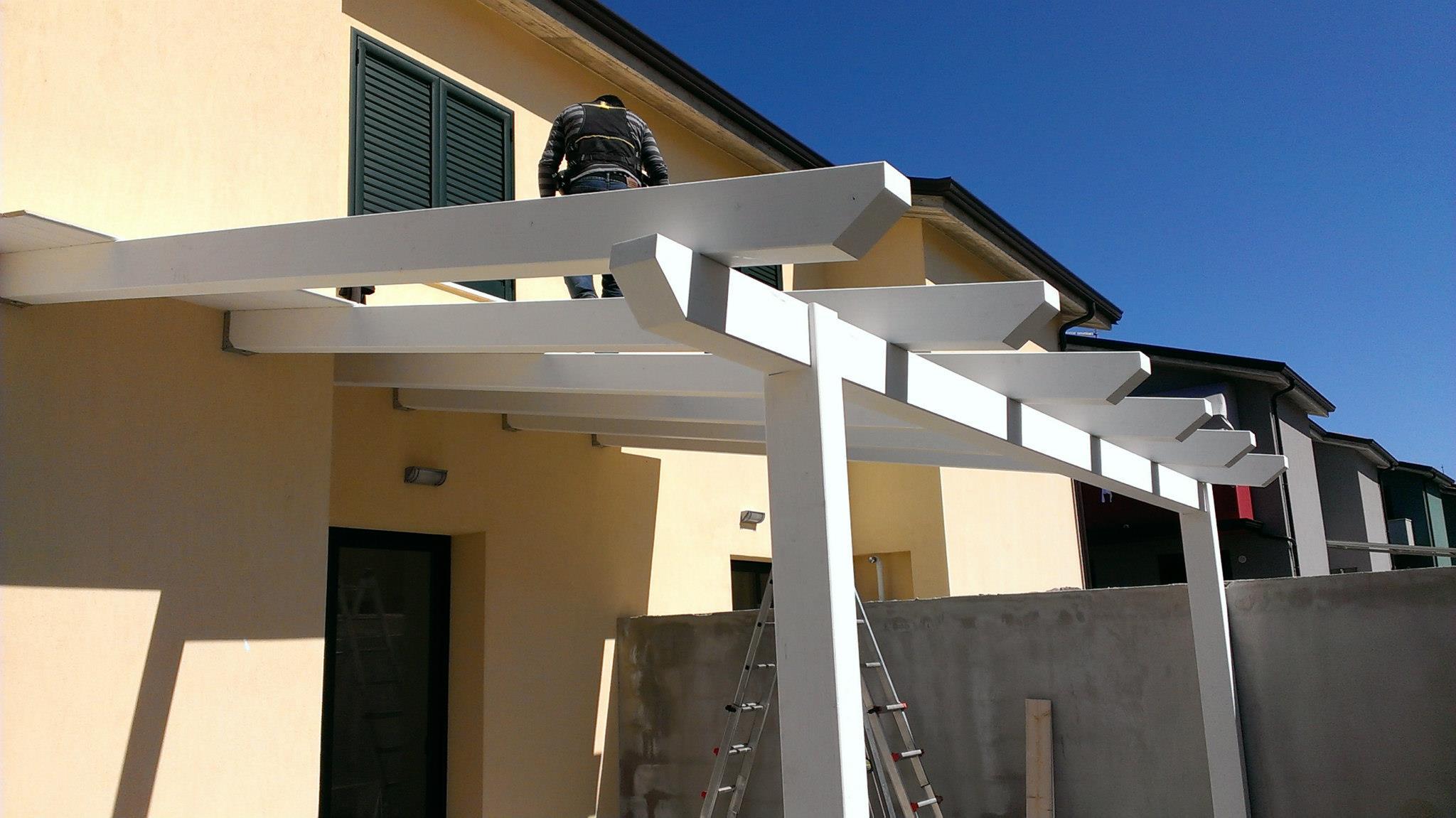 Stunning veranda in legno with veranda in legno for Piani di casa veranda coperta
